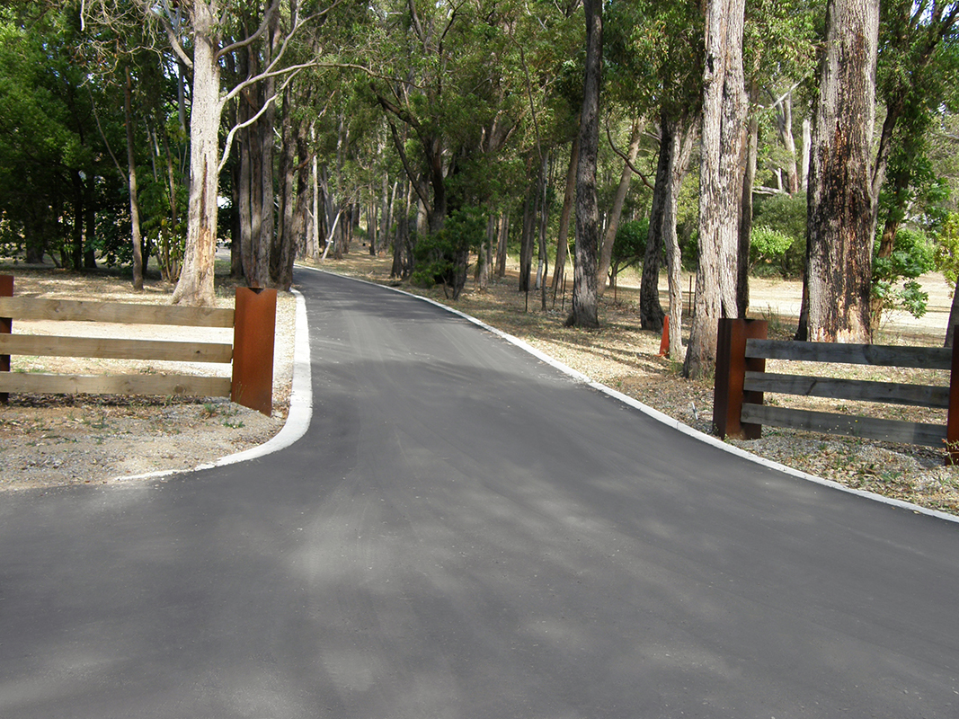 granite coloured asphalt driveway in perth, western australia